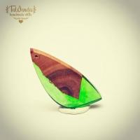Nowe od TaWanda.  Więcej np. na Allegro  #tawandapl #tawandajewelry #resinandwood #artresin #gervee  #handmade #leaf  #epoxyresin #jewelry #handmadejewelry #necklace