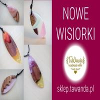 Do sklepu zostały dodane nowe wisiorki, które można kupować od teraz! Jest bardziej kolorowo niż do tej pory. Zagościło w ofercie na dobre drewno egzotyczne - różne. Do wyboru, do koloru!  https://sklep.tawanda.pl/nowe-produkty?order=product.price.desc  #tawanda #tawandapl #tawanda_jewellery #tawandajewellery #tawandajewelry #artresin #necklace #resinandwood #resinart #woodandresin #gervee